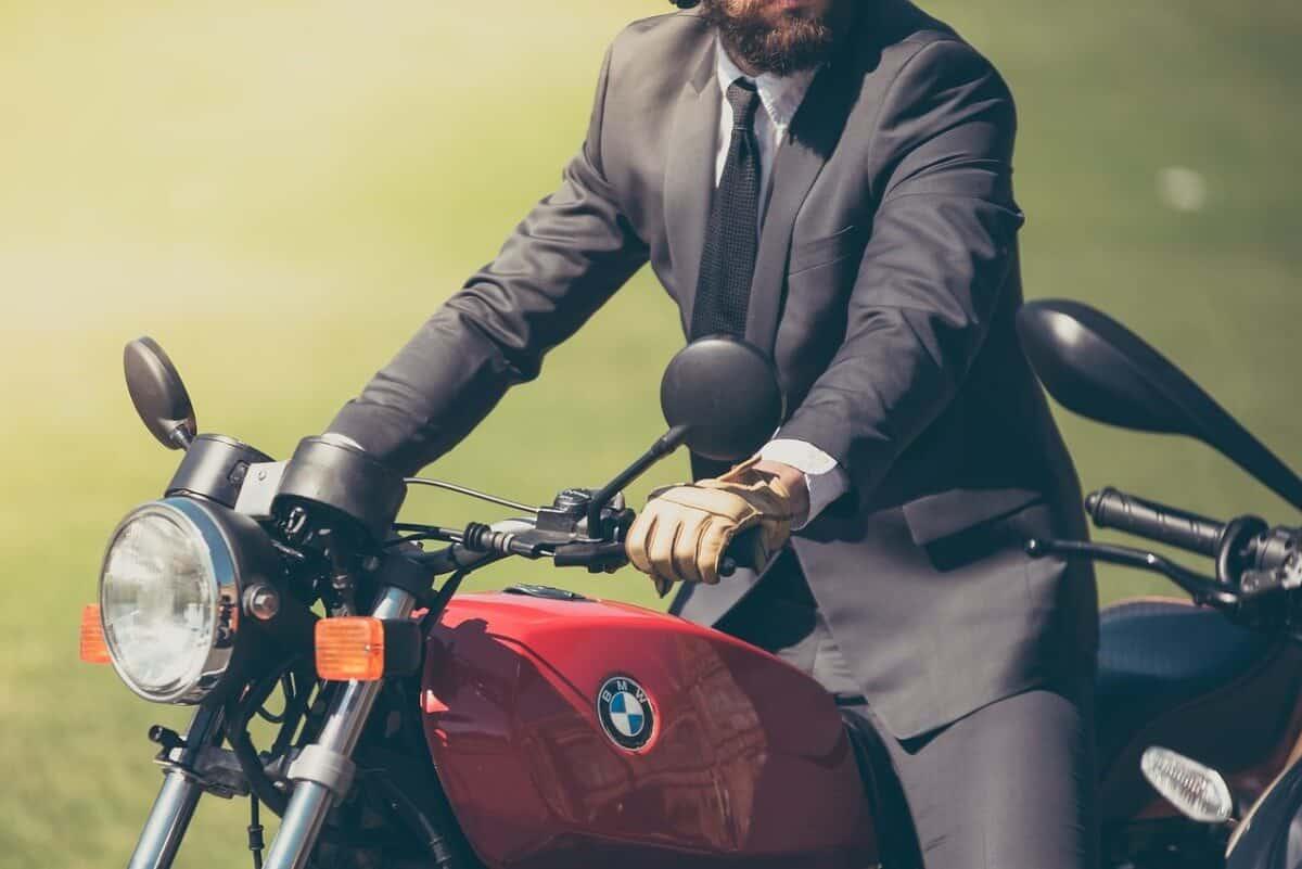 Bewerbungsfoto on Bike
